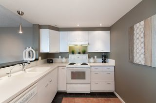 Photo 12: 403 121 TENTH STREET in New Westminster: Uptown NW Condo for sale : MLS®# R2112631