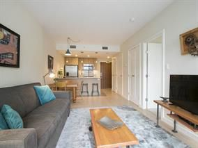 Photo 3: 802 88 W 1st Avenue in Vancouver: False Creek Condo for sale (Vancouver West)  : MLS®# R2120420