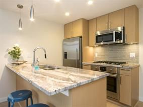 Photo 5: 802 88 W 1st Avenue in Vancouver: False Creek Condo for sale (Vancouver West)  : MLS®# R2120420