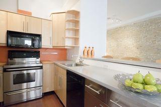 Photo 6: 323 Queen  St E Unit #2A in Toronto: Moss Park Condo for sale (Toronto C08)  : MLS®# C3710307