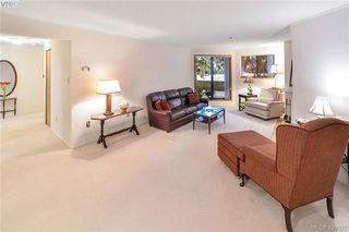 Photo 10: 112 1560 Hillside Avenue in VICTORIA: Vi Oaklands Condo Apartment for sale (Victoria)  : MLS®# 420027