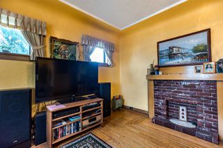 Photo 3: 2796 E 16TH Avenue in Vancouver: Renfrew Heights House for sale (Vancouver East)  : MLS®# R2435685