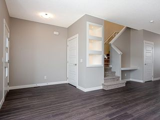 Photo 9: 37 SKYVIEW Parade NE in Calgary: Skyview Ranch Row/Townhouse for sale : MLS®# C4295842