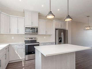 Photo 3: 37 SKYVIEW Parade NE in Calgary: Skyview Ranch Row/Townhouse for sale : MLS®# C4295842