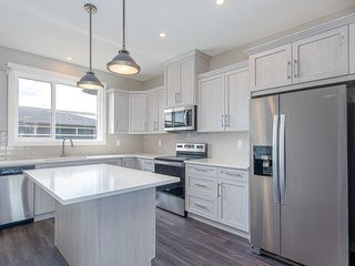 Photo 2: 37 SKYVIEW Parade NE in Calgary: Skyview Ranch Row/Townhouse for sale : MLS®# C4295842