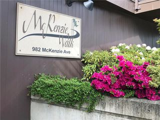 Photo 2: 308 982 McKenzie Ave in Saanich: SE Quadra Condo for sale (Saanich East)  : MLS®# 838589