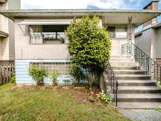 Photo 1: 5904 BERKELEY Street in Vancouver: Killarney VE House for sale (Vancouver East)  : MLS®# R2481103