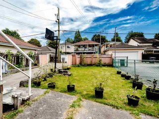 Photo 20: 5904 BERKELEY Street in Vancouver: Killarney VE House for sale (Vancouver East)  : MLS®# R2481103