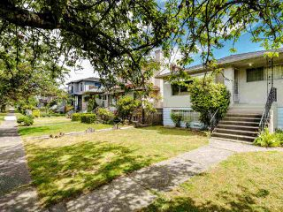 Photo 3: 5904 BERKELEY Street in Vancouver: Killarney VE House for sale (Vancouver East)  : MLS®# R2481103