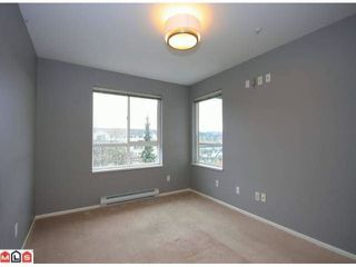 Photo 5: 305 6390 196TH Street in Langley: Willoughby Heights Condo for sale : MLS®# F1203330