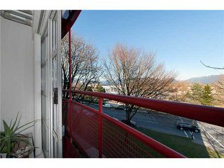 """Photo 4: 334 350 E 2ND Avenue in Vancouver: Mount Pleasant VE Condo for sale in """"MAIN SPACE"""" (Vancouver East)  : MLS®# V930838"""