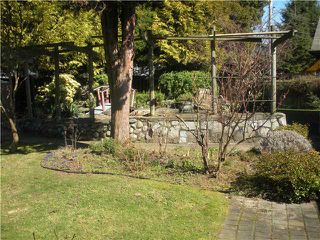 Photo 10: 1274 ROSEWOOD Crescent in North Vancouver: Norgate House for sale : MLS®# V938925