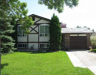 Photo 1: 22 LAKEPOINTE RD in WINNIPEG: Residential for sale (Canada)  : MLS®# 2916119