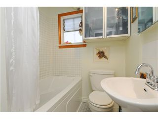 """Photo 5: 3570 TRIUMPH Street in Vancouver: Hastings East House for sale in """"THE HEIGHTS"""" (Vancouver East)  : MLS®# V989031"""