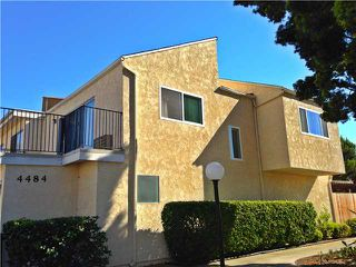 Photo 2: UNIVERSITY CITY Townhouse for sale : 3 bedrooms : 4484 Eastgate Mall #8 in San Diego