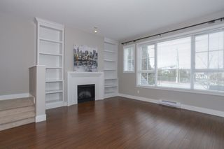 Photo 2: 18 2450 161A STREET in Surrey: Grandview Surrey Townhouse for sale (South Surrey White Rock)  : MLS®# R2142988