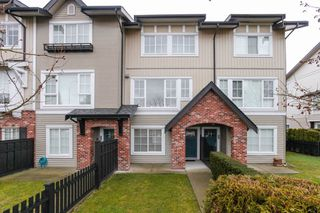 Photo 1: 18 2450 161A STREET in Surrey: Grandview Surrey Townhouse for sale (South Surrey White Rock)  : MLS®# R2142988
