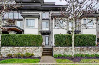 Photo 3: 102 7418 BYRNEPARK WALK in Burnaby: South Slope Townhouse for sale (Burnaby South)  : MLS®# R2356534