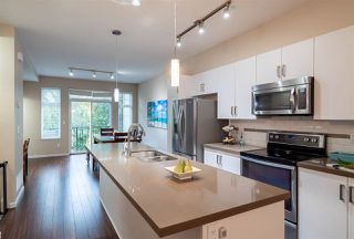 """Photo 6: 48 13886 62 Avenue in Surrey: Sullivan Station Townhouse for sale in """"Fusion"""" : MLS®# R2411972"""