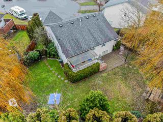 """Photo 20: 3917 WATERTON Crescent in Abbotsford: Abbotsford East House for sale in """"Sandy Hill"""" : MLS®# R2432366"""