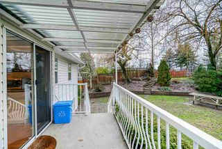"""Photo 18: 3917 WATERTON Crescent in Abbotsford: Abbotsford East House for sale in """"Sandy Hill"""" : MLS®# R2432366"""