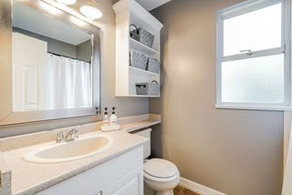 """Photo 12: 3917 WATERTON Crescent in Abbotsford: Abbotsford East House for sale in """"Sandy Hill"""" : MLS®# R2432366"""