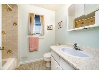 """Photo 12: 2515 WILDING Crescent in Langley: Willoughby Heights House for sale in """"LANGLEY MEADOWS"""" : MLS®# R2447428"""