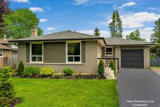 Photo 2: 46 Parkview Drive: Orangeville House (Bungalow) for sale : MLS®# W4773898