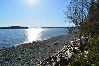 Photo 2: 8223 REDROOFFS Road in Halfmoon Bay: Halfmn Bay Secret Cv Redroofs House for sale (Sunshine Coast)  : MLS®# R2464862