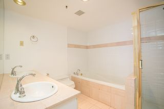 Photo 12: 11C 338 TAYLOR Way in West Vancouver: Park Royal Condo for sale : MLS®# R2472551