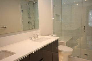 """Photo 10: 1706 3100 WINDSOR Gate in Coquitlam: New Horizons Condo for sale in """"The Lloyd"""" : MLS®# R2494861"""