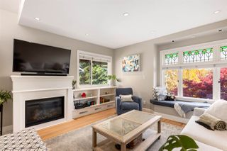 "Photo 2: 326 W 11TH Avenue in Vancouver: Mount Pleasant VW Townhouse for sale in ""Self Managed"" (Vancouver West)  : MLS®# R2528028"