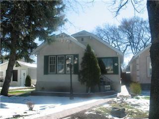 Main Photo: 673 Kildonan Drive in Winnipeg: East Kildonan Residential for sale (North East Winnipeg)  : MLS®# 1107880