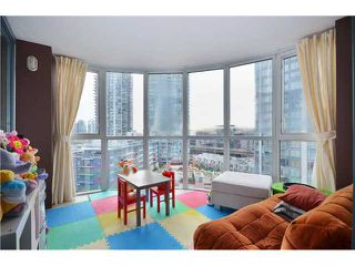 """Photo 8: 904 183 KEEFER Place in Vancouver: Downtown VW Condo for sale in """"Paris Place"""" (Vancouver West)  : MLS®# V990466"""