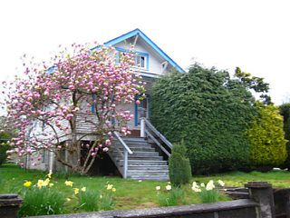 Photo 1: 1801 8TH Avenue in New Westminster: West End NW House for sale : MLS®# V1001547