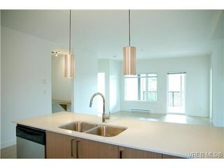 Photo 4: 403 286 Wilfert Rd in VICTORIA: VR Six Mile Condo Apartment for sale (View Royal)  : MLS®# 645295