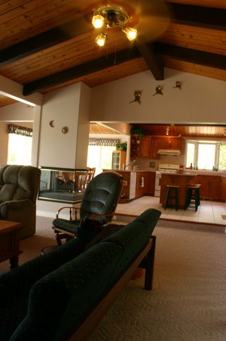Photo 10: 2494 Eagle Bay Road: Blind Bay House for sale (South Shuswap)  : MLS®# 10081614
