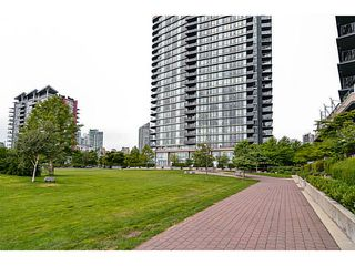 "Photo 2: 107 8 SMITHE MEWS Mews in Vancouver: Yaletown Townhouse for sale in ""THE FLAGSHIP"" (Vancouver West)  : MLS®# V1075648"