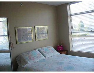 "Photo 3: 14100 RIVERPORT Way in Richmond: East Richmond Condo for sale in ""WAITERSTONE PIER"" : MLS®# V615942"