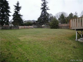 Photo 14: 580 Peto Place in Victoria: SW Glanford House for sale (Saanich West)