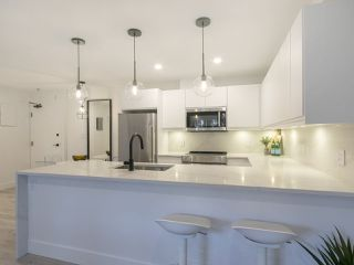 Photo 5: 205 2320 W 40TH AVENUE in Vancouver: Kerrisdale Condo for sale (Vancouver West)  : MLS®# R2269121