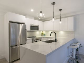 Photo 4: 205 2320 W 40TH AVENUE in Vancouver: Kerrisdale Condo for sale (Vancouver West)  : MLS®# R2269121