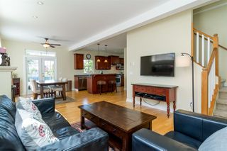 Photo 4: 20010 50 AVENUE in Langley: Langley City House for sale : MLS®# R2278939