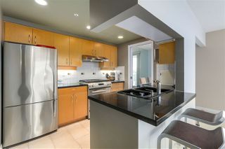 Photo 10: 2207 198 AQUARIUS MEWS in Vancouver: Yaletown Condo for sale (Vancouver West)  : MLS®# R2341515