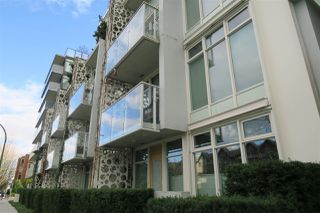 Photo 1: 305 728 W 8TH AVENUE in Vancouver: Fairview VW Condo for sale (Vancouver West)  : MLS®# R2396596