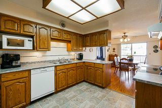 """Photo 2: 45 6467 197 Street in Langley: Willoughby Heights Townhouse for sale in """"Willow Park Estates"""" : MLS®# R2402822"""