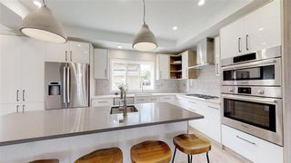 Photo 11: 7574B 110 Avenue in Edmonton: Zone 09 House for sale : MLS®# E4176351