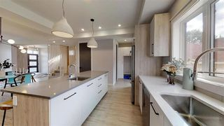 Photo 12: 7574B 110 Avenue in Edmonton: Zone 09 House for sale : MLS®# E4176351