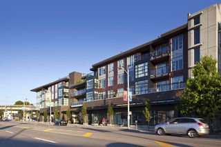 "Main Photo: 416 1628 W 4TH Avenue in Vancouver: False Creek Condo for sale in ""RADIUS"" (Vancouver West)  : MLS®# R2422987"