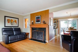 """Photo 6: 7247 BARNET Road in Burnaby: Westridge BN House for sale in """"WESTRIDGE"""" (Burnaby North)  : MLS®# R2440143"""